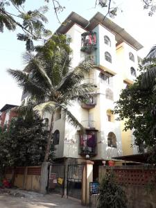 Gallery Cover Image of 800 Sq.ft 2 BHK Apartment for rent in Lake View Apartment, Dombivli East for 12000