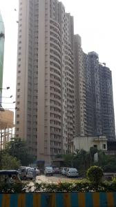Gallery Cover Image of 610 Sq.ft 1 BHK Apartment for rent in Hubtown Greenwoods, Thane West for 18000