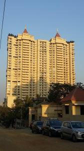 Gallery Cover Image of 1300 Sq.ft 3 BHK Apartment for rent in Cosmos Jewels Ruby Apartments, Thane West for 29000