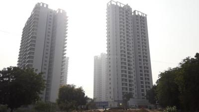 Gallery Cover Image of 1760 Sq.ft 3 BHK Apartment for buy in Paras Dews, Ashok Vihar Phase II for 9000000