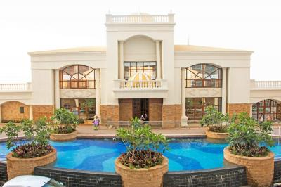 Project Image of 950.0 - 1495.0 Sq.ft 2 BHK Apartment for buy in Tharwani Riverdale Vista