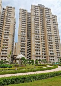 Gallery Cover Image of 1725 Sq.ft 3 BHK Apartment for buy in Purvanchal Royal City, Chi V Greater Noida for 7000000