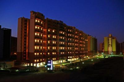 Gallery Cover Image of 1848 Sq.ft 4 BHK Apartment for rent in Piedmont Taksila Heights, Sector 37C for 22000