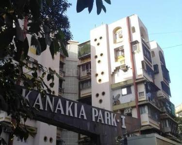 Gallery Cover Image of 640 Sq.ft 1 BHK Apartment for rent in Kanakia Park, Kandivali East for 21000