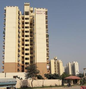 Gallery Cover Image of 1660 Sq.ft 3 BHK Apartment for rent in Piedmont Taksila Heights, Sector 37C for 22500
