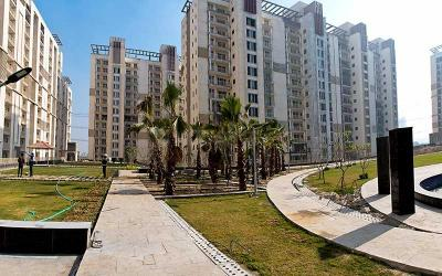 Gallery Cover Image of 1650 Sq.ft 3 BHK Apartment for buy in Emaar Gurgaon Greens, Sector 102 for 9100000