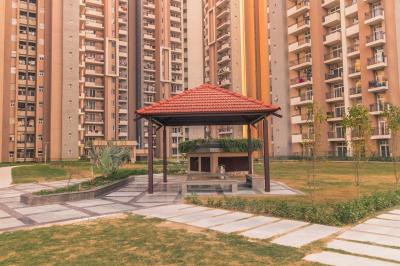 Gallery Cover Image of 1100 Sq.ft 3 BHK Apartment for buy in RG Residency, Sector 120 for 7900000