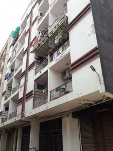 Gallery Cover Image of 950 Sq.ft 2 BHK Apartment for rent in Florence Apartments, Sector 121 for 15000