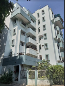Gallery Cover Image of 1200 Sq.ft 1 BHK Apartment for rent in Naiknavare Trinity Court, Koregaon Park for 17500