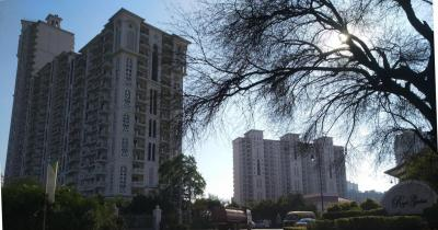 Gallery Cover Image of 1750 Sq.ft 3 BHK Independent Floor for rent in DLF Regal Gardens, Sector 90 for 19000