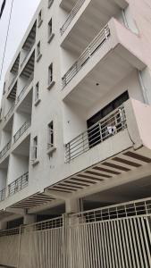 Gallery Cover Image of 865 Sq.ft 3 BHK Independent House for buy in Deewan Rajendra Park Sector 105, Sector 105 for 5800000