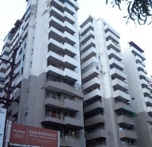 Gallery Cover Image of 2000 Sq.ft 4 BHK Apartment for rent in Crossings Republik for 10000
