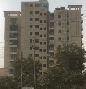 Gallery Cover Image of 2486 Sq.ft 4 BHK Apartment for rent in Swatantra Indraprastha Apartments, Sector 32 for 35000