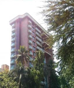 Gallery Cover Image of 1450 Sq.ft 3 BHK Apartment for rent in Tridhaatu Rudraksh, Chembur for 80000