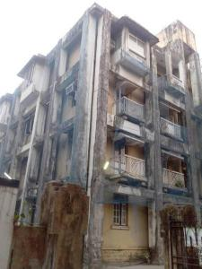 Gallery Cover Image of 1500 Sq.ft 4 BHK Apartment for rent in CGHS Shirinabad Apartment, Matunga East for 175000