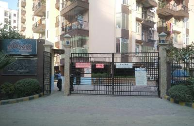 Gallery Cover Image of 1350 Sq.ft 3 BHK Apartment for rent in Mahagun Mosaic, Vaishali for 25000