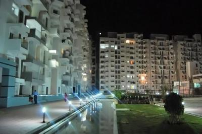 Gallery Cover Image of 1188 Sq.ft 2 BHK Apartment for rent in Eco, Kartik Nagar for 30000