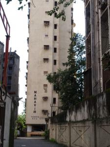 Gallery Cover Image of 850 Sq.ft 2 BHK Apartment for rent in Mahaveer Tower, Worli for 75000