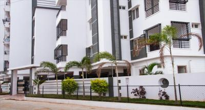 Gallery Cover Image of 1345 Sq.ft 2 BHK Apartment for rent in Signature, Manikonda for 20000