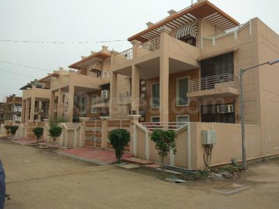 Gallery Cover Image of 750 Sq.ft 1 BHK Apartment for buy in Mehak Eco City Villas, Wave City for 1595000