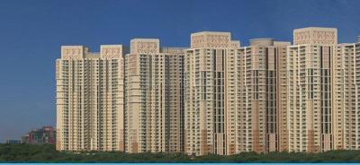 Gallery Cover Image of 2700 Sq.ft 4 BHK Apartment for rent in DLF Park Place, Sector 54 for 85000