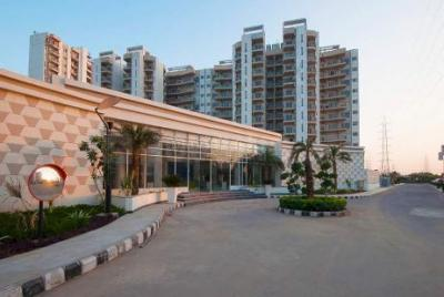 Gallery Cover Image of 1850 Sq.ft 3 BHK Apartment for rent in Spaze Privvy The Address, Sector 93 for 18000