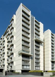 Gallery Cover Image of 2750 Sq.ft 4 BHK Apartment for rent in Prahlad Nagar for 80000