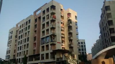 Gallery Cover Image of 810 Sq.ft 1 BHK Apartment for rent in Ravi Gaurav Valley, Mira Road East for 12000
