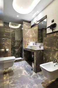 Gallery Cover Image of 700 Sq.ft 1 BHK Apartment for rent in Aadi Allure Wings A To E, Bhandup East for 28000