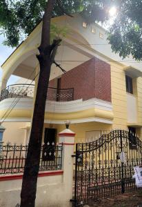 Gallery Cover Image of 2200 Sq.ft 3 BHK Independent House for rent in Nanmangalam for 28000