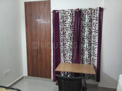 Gallery Cover Image of 600 Sq.ft 1 BHK Apartment for rent in Avj Heightss, Zeta I Greater Noida for 7000