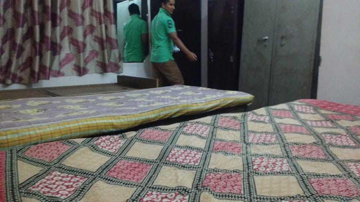 सिविल लाइंस में रॉयल पीजी में बेडरूम की तस्वीर