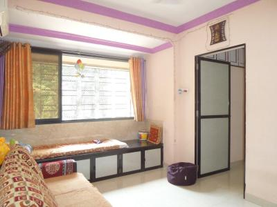 Gallery Cover Image of 580 Sq.ft 1 BHK Apartment for buy in Kanakia Park, Kandivali East for 9000000