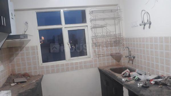 Kitchen Image of 1050 Sq.ft 2 BHK Apartment for rent in Surajpur for 9000