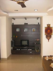 Gallery Cover Image of 1945 Sq.ft 3 BHK Apartment for rent in Krisshna Sri Krishnaveni Prasad Residency, Kothaguda for 28000