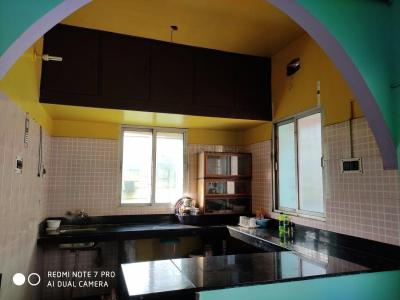 Gallery Cover Image of 700 Sq.ft 2 BHK Independent Floor for rent in Santoshpur for 9000