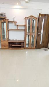 Gallery Cover Image of 620 Sq.ft 1 BHK Apartment for rent in Dosti Acres, Wadala for 37000