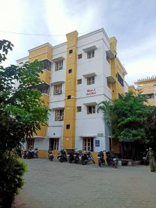 Gallery Cover Image of 1000 Sq.ft 2 BHK Apartment for buy in Villivakkam for 5000000