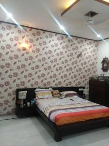 Gallery Cover Image of 1350 Sq.ft 4 BHK Villa for buy in Gazipur for 9500000