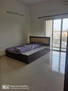 Gallery Cover Image of 1700 Sq.ft 3 BHK Apartment for rent in Amanora Sterling Towers R4, Hadapsar for 33000