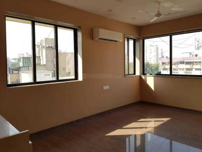 Gallery Cover Image of 1500 Sq.ft 3 BHK Apartment for rent in Santacruz West for 90000