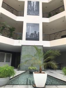 Gallery Cover Image of 6500 Sq.ft 4 BHK Independent Floor for buy in Amar Manhattan , Pashan for 110000000