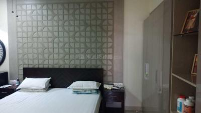 Gallery Cover Image of 1650 Sq.ft 3 BHK Apartment for rent in Parel for 118000