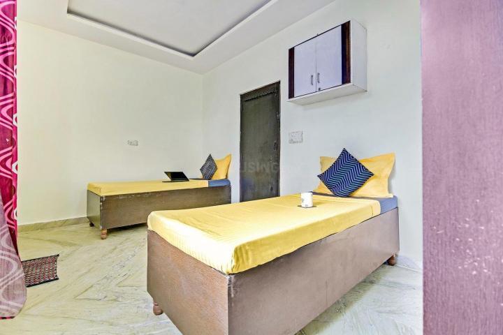 Bedroom Image of Oyo Life Del2051 Nirman Vihar Metro in Laxmi Nagar
