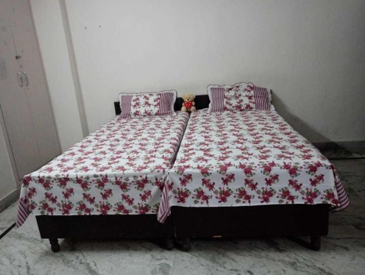 सेक्टर 49 में गर्ल्स पीजी इन सेक्टर 49 के बेडरूम की तस्वीर