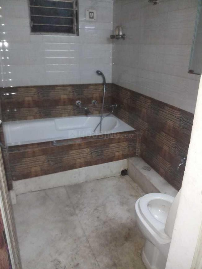 Common Bathroom Image of 700 Sq.ft 2 BHK Apartment for rent in Ward No 113 for 10000