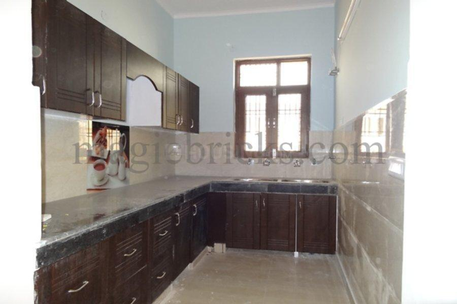 Kitchen Image of 2000 Sq.ft 4 BHK Independent Floor for rent in Sector 59 for 15000