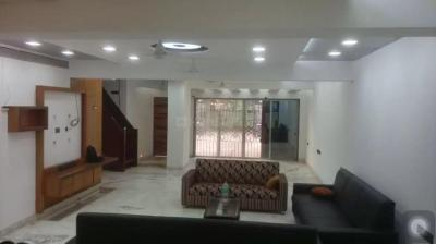 Gallery Cover Image of 6510 Sq.ft 5 BHK Villa for buy in Juhu for 250000000