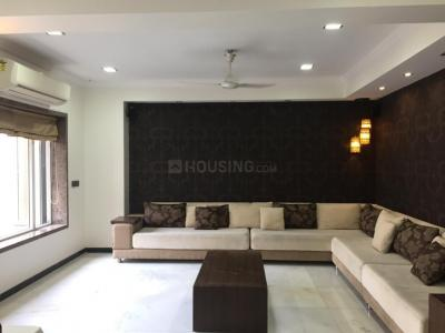 Gallery Cover Image of 2100 Sq.ft 2 BHK Independent Floor for rent in Juhu for 150000