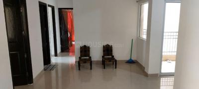 Gallery Cover Image of 1040 Sq.ft 2 BHK Apartment for rent in Nirala Estate Phase IV, Noida Extension for 8500
